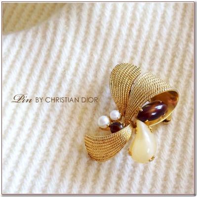 ゴールドリボンとブラウンストーンのヴィンテージブローチ Cristian Dior(クリスチャンディオール)