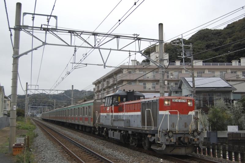 DE10 1576号機牽引東急5000系6扉車