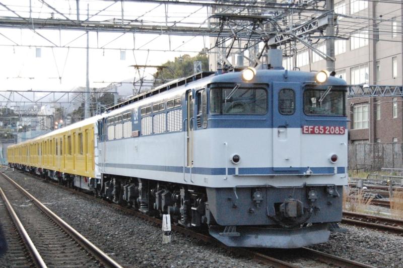 EF65 2085号機牽引東京メトロ1140F