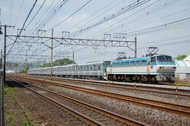 EF66 127号機牽引東京メトロ13105F