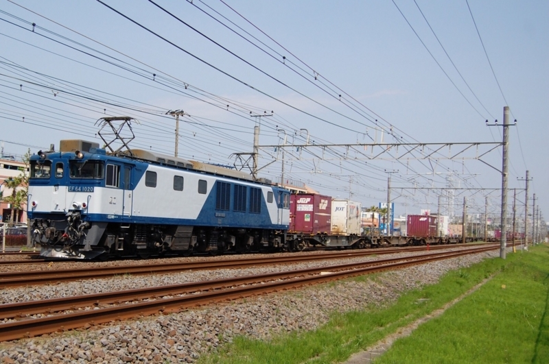 EF64 1020号機牽引3075列車