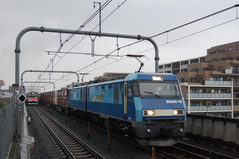 EH200-12号機牽引89列車