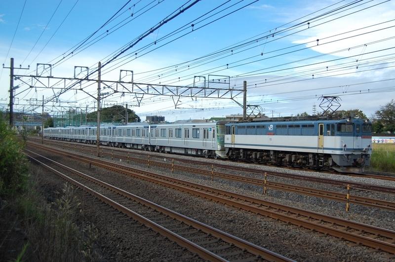 EF65 2088号機牽引東京メトロ13124F