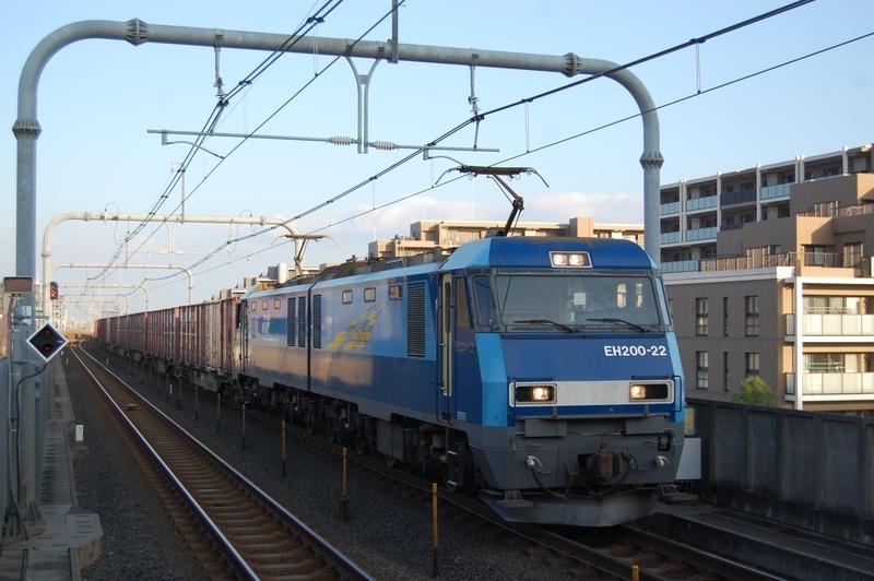 EH200-22号機牽引89列車