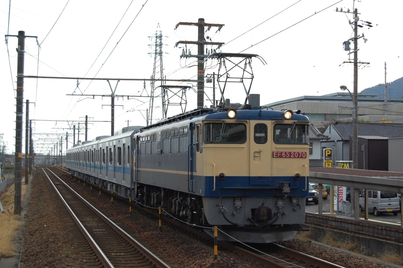 EF65 2070号機牽引小田急3000