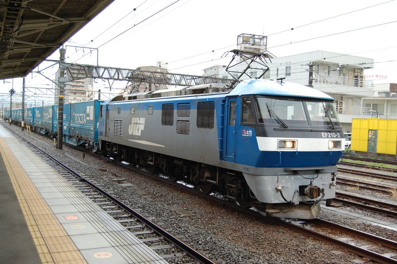EF210-2号機牽引2052列車