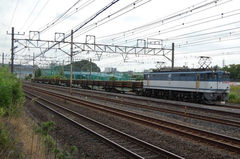 EF65 2060号機牽引8075列車