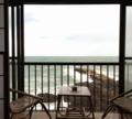 一泊3500円、荒れ狂う日本海の絶景&朝食付。