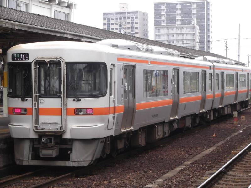 キハ25形1500番台 ワンマン普通 亀山行き(M106・キハ25-1506)