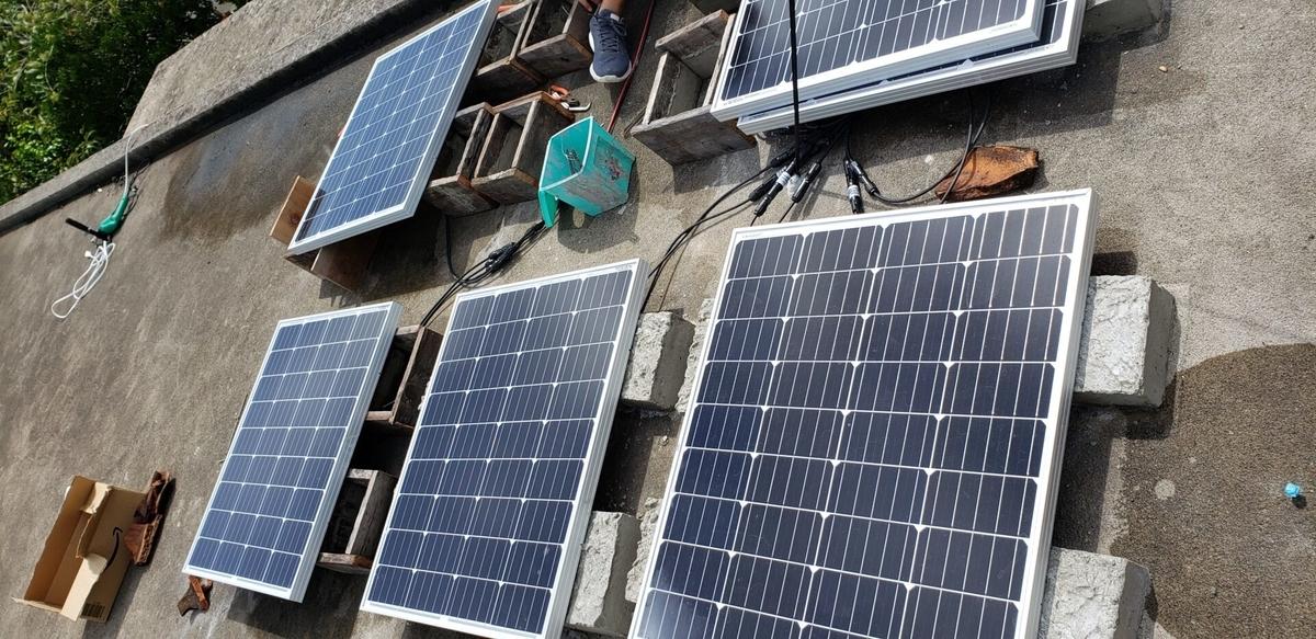 ソーラーパネル架台作り(モルタルによる成形)