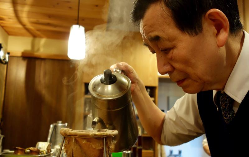 昭和から半世紀続く老舗喫茶「ばらーど」で、喧噪を忘れてスローテンポなひとときを【中野】