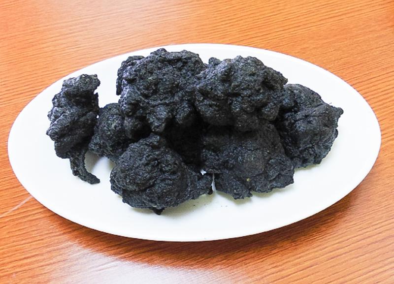 「竹炭から揚げ」の画像検索結果
