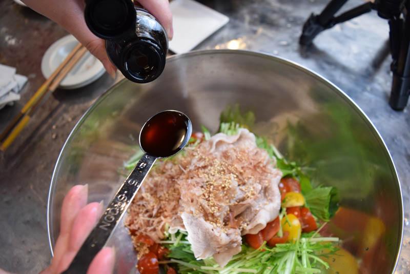 【男のズボラ飯】夏バテ防止は「豚しゃぶ」!超簡単レシピ【包丁いらず】