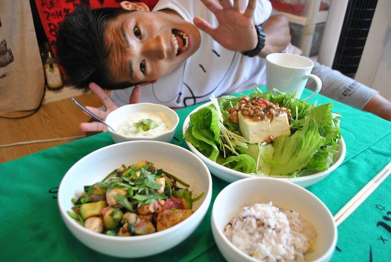 ささ身料理で2週間4キロ減! 現役バリバリのボクサー・永田大士選手の食生活をのぞいてみた