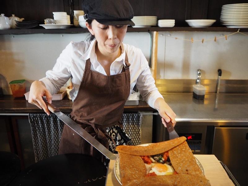 「うちは麺類がないおそば屋さん」。そば粉LOVEな女性シェフが焼く魂のガレット【京都】