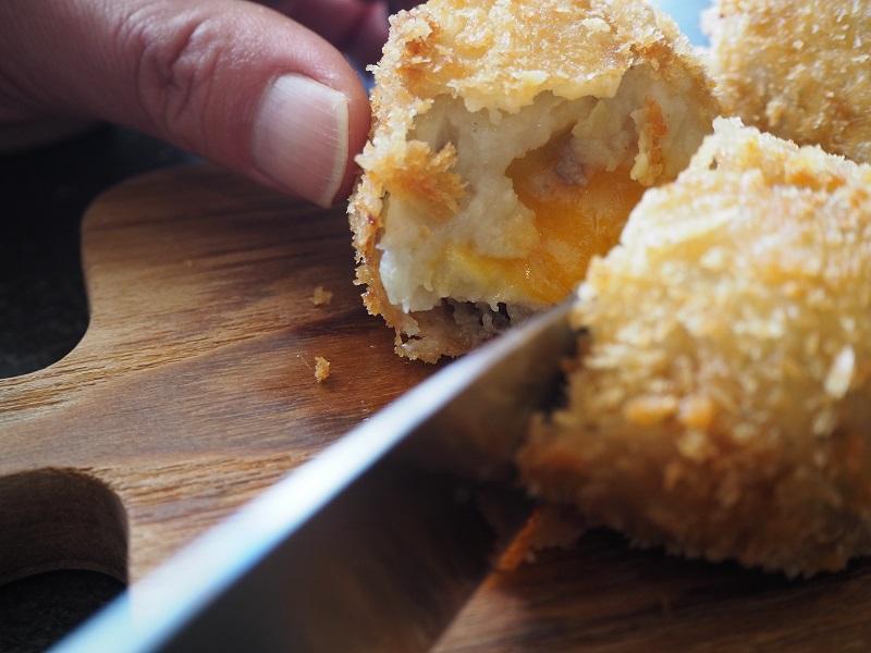 熱々のチーズがどろ〜り。斬新過ぎる激うまコロッケ七変化「クロケット」【大阪】