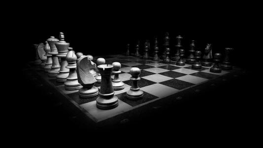 ダークなチェスヘッダー