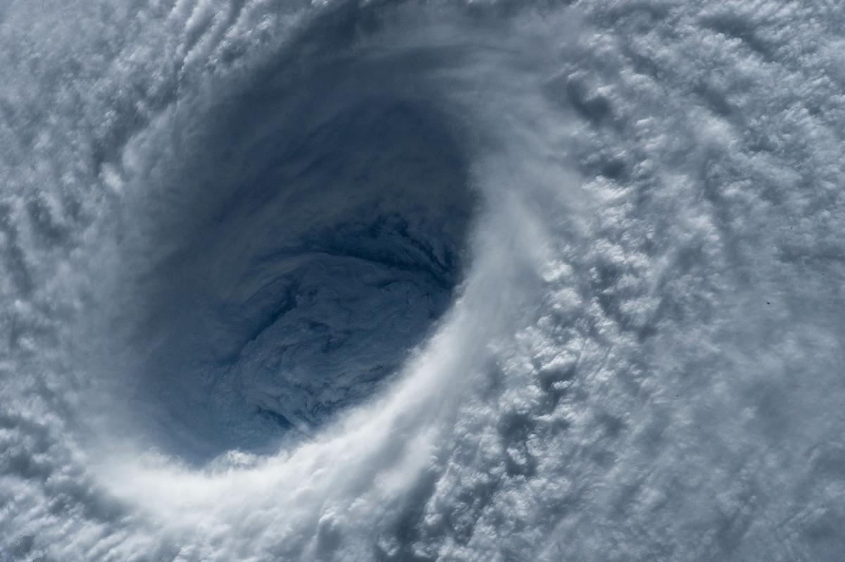 台風19号の行方が気になります