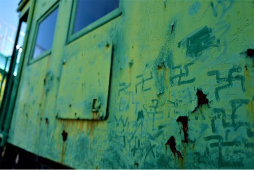 ライカqで撮影。電車(汽車)の側面。