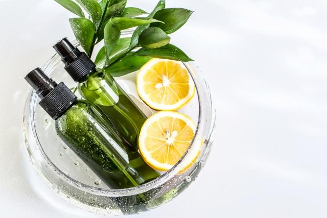 化粧品とレモン
