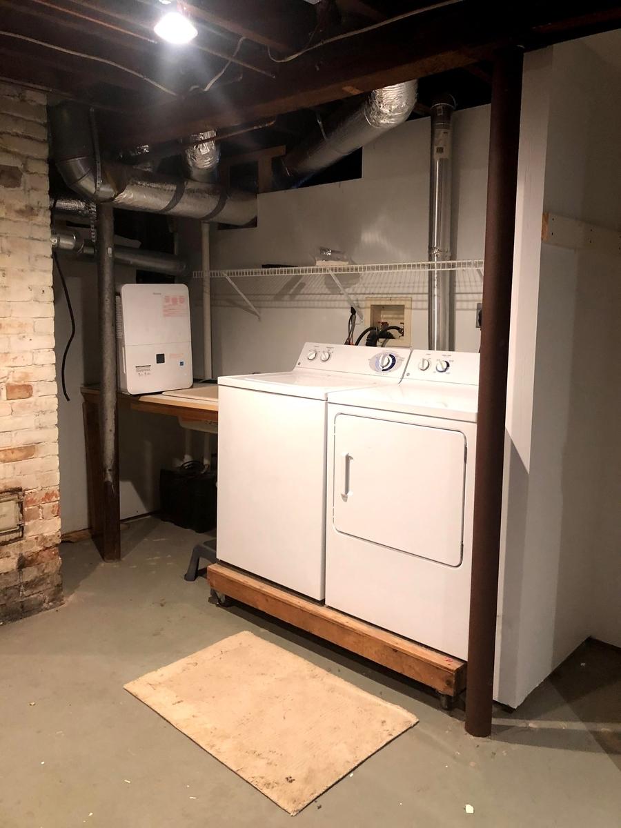 地下室のランドリー