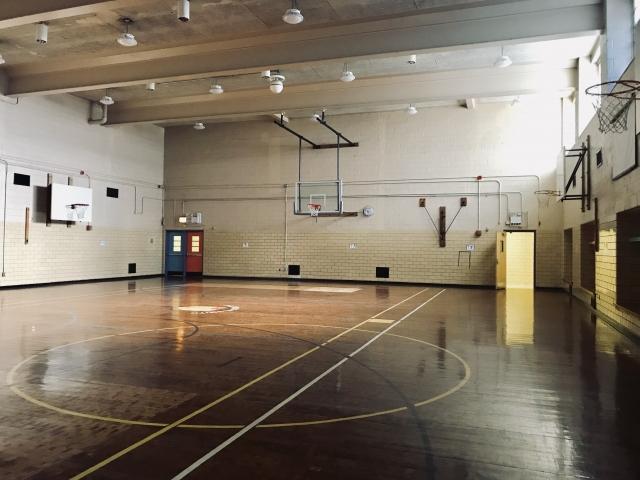 アメリカの学校体育館