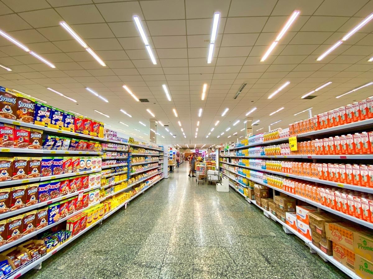 アメリカのスーパーの店内