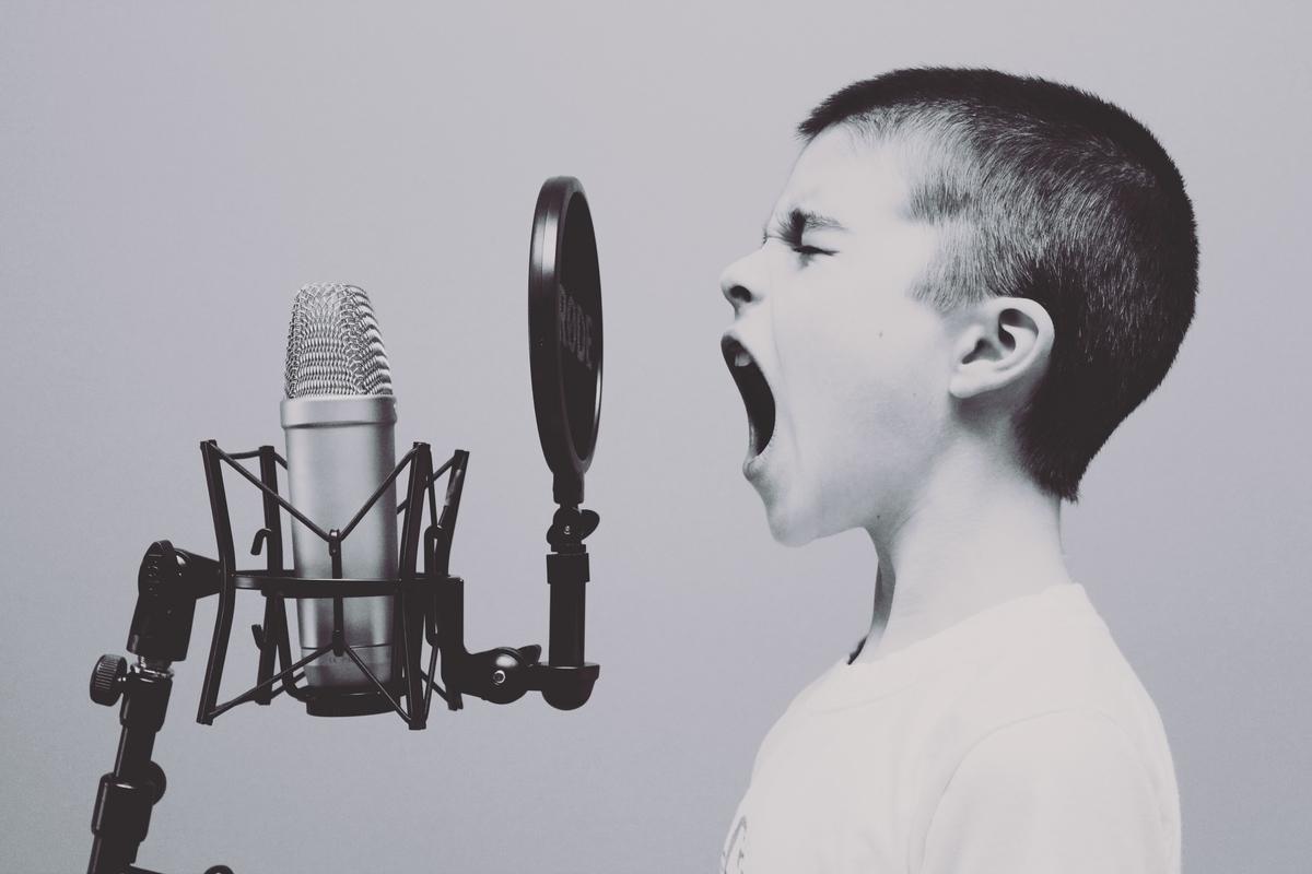 音色の出し方は根本的な部分から異なります。