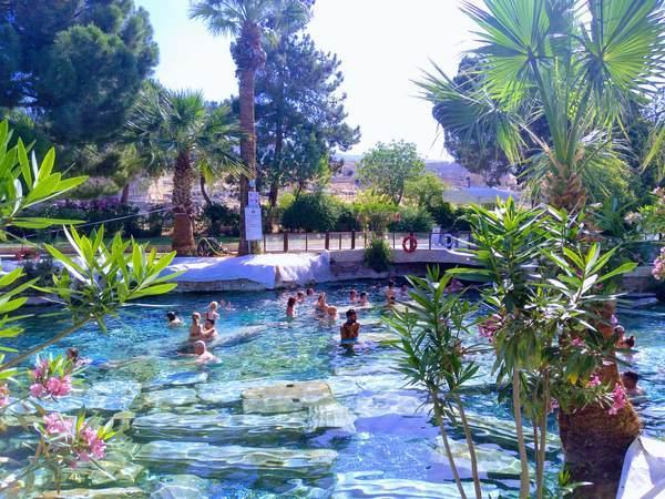 パムッカレ 遺跡プール 温泉
