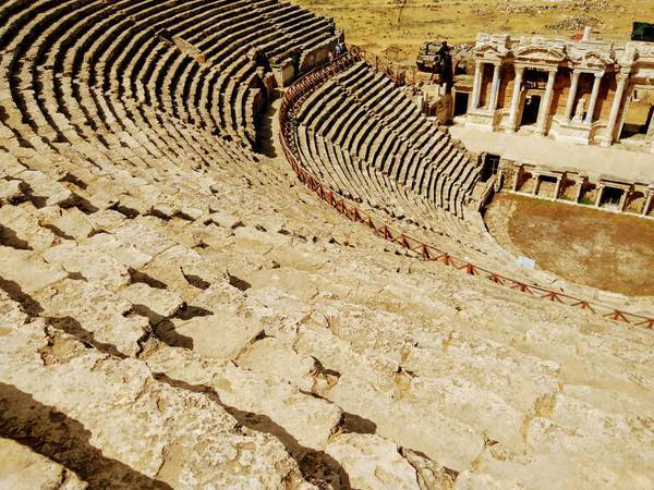 円形ローマ劇場の座席
