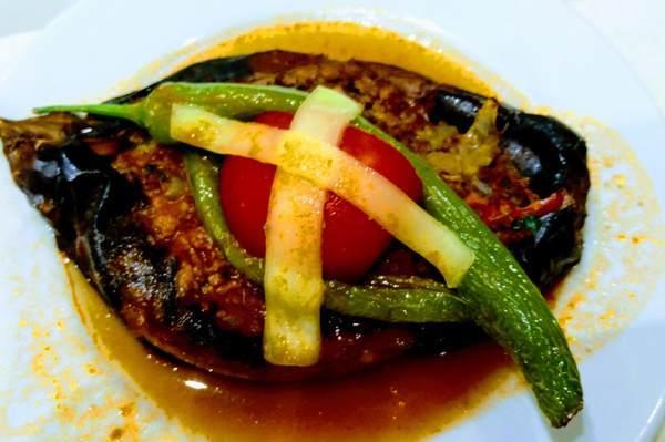 カルヌヤルク(Karnıyarık)トルコ料理 グルメ