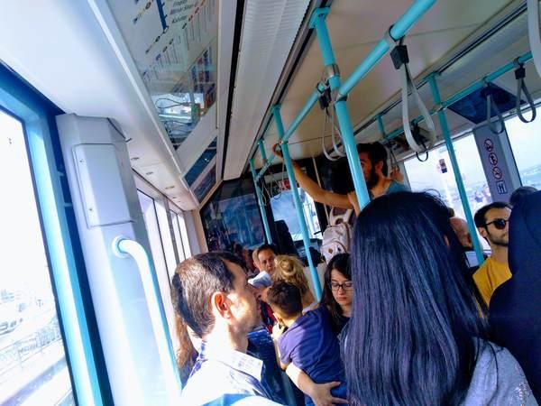 イスタンブール トラム 乗車