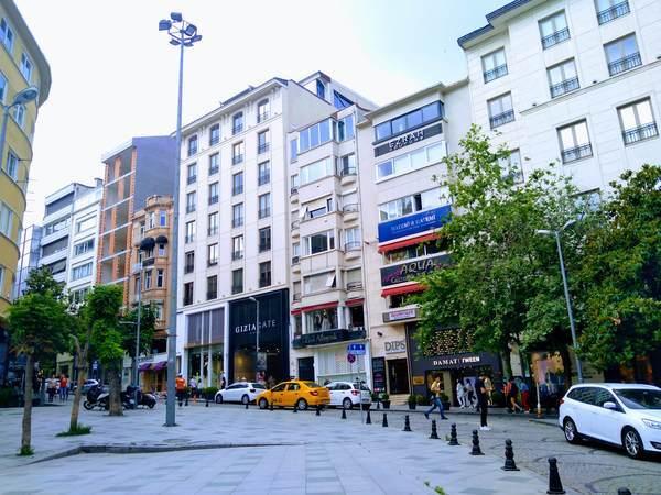 イスタンブール アブディ・イペクチ通り