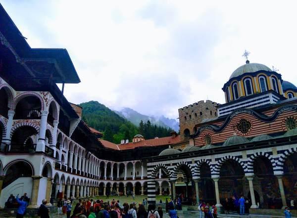 リラ修道院の全景