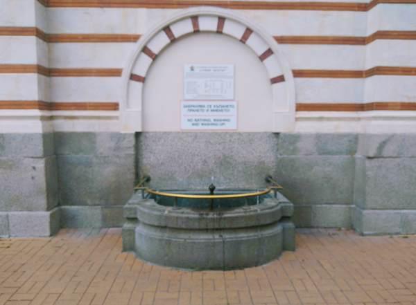 無料の温泉水
