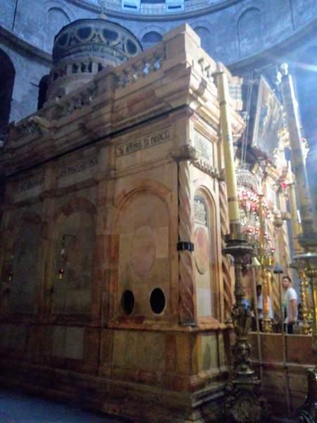 キリストの墓の側面