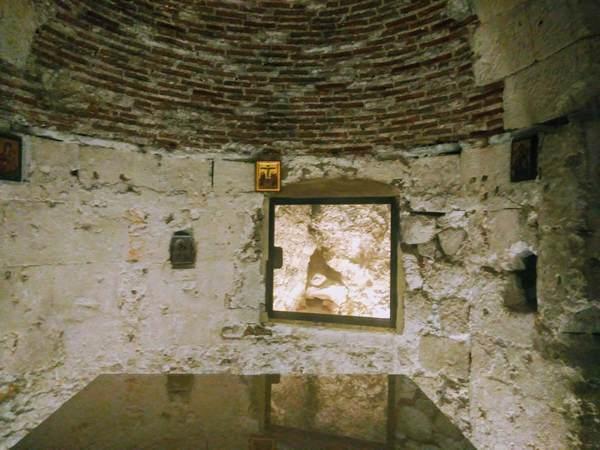 人祖アダムの墓