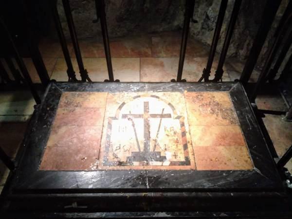 キリストの十字架が発見された場所