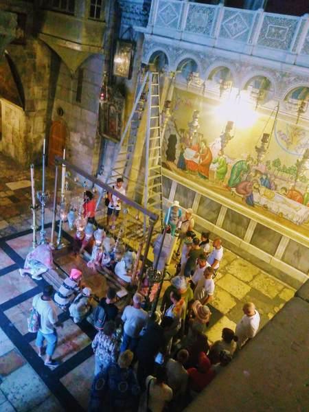 聖墳墓教会(2階から)
