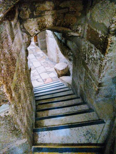 聖カテリーナ教会の地下入り口