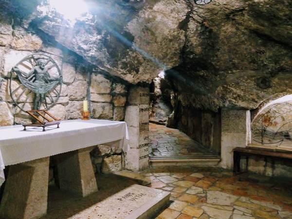 聖カテリーナ教会の地下