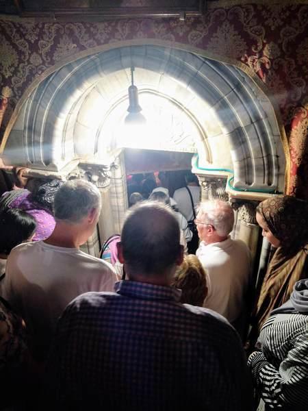 降誕教会の地下入り口