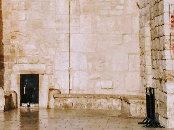 降誕教会(聖誕教会)の入口