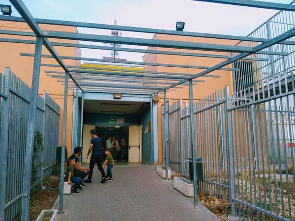 パレスチナ自治区のチェックポイント出口