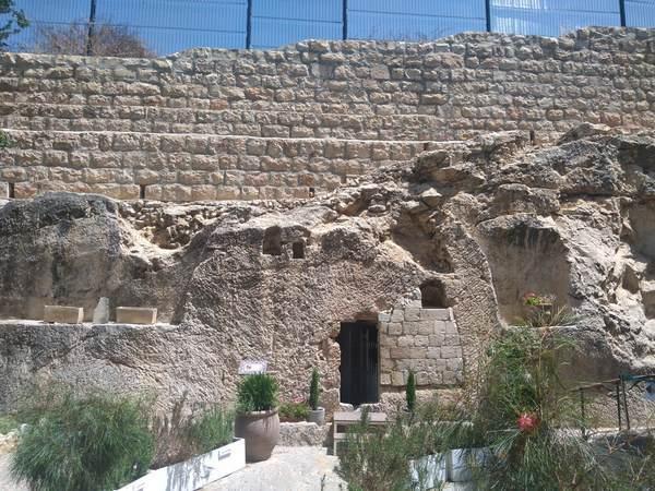 園の墓(イエスの墓)