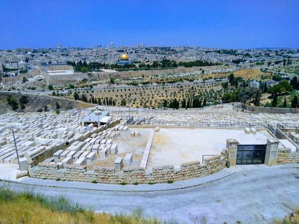 ユダヤ人墓地から見た旧市街