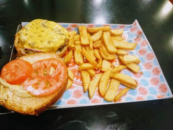 イスラエルのファストフード店(バーガー)