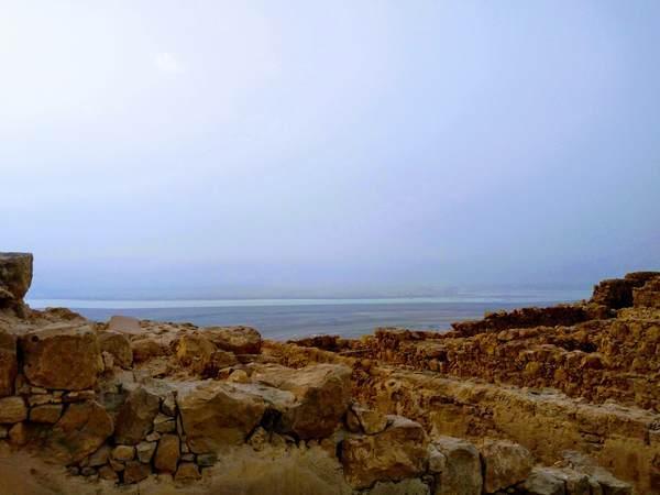 夜明け前のマサダ要塞