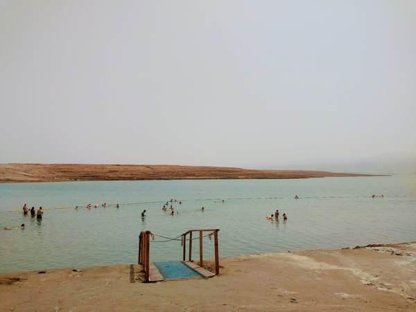 イスラエル側から見た死海