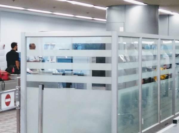 ベン・グリオン国際空港の検査場(拡大)